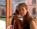 Tobie Miller, ambassadrice van de draailier in de barokmuziek